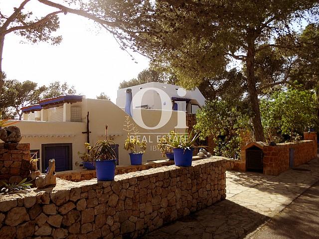 Entrada de casa en venta en Punta Galera, Ibiza