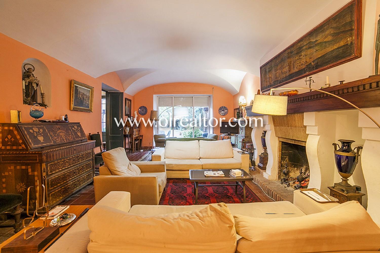 Дом для продажи в центре Аргентона