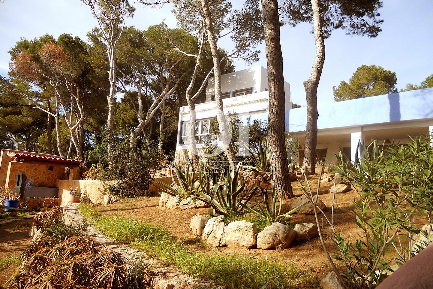 Jardin de maison en vente à Punta Galera, Ibiza