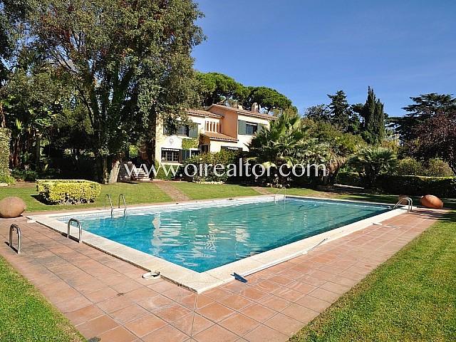 Villa en venta en Canet de Mar