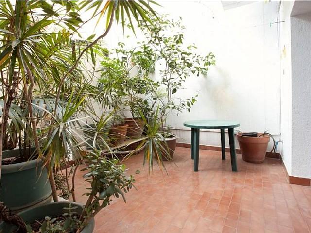 Wunderschöne Terrasse in der Luxus-Wohnung zum Verkauf im schönen Gracia