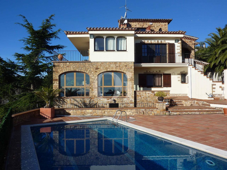 Fachada de casa en venta en Platja D'Aro, Barcelona