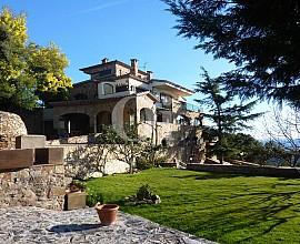 Потрясающий дом в деревенском стиле на продажу в жилом комплексе Masnou в Platja d`Aro