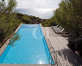 Extraordinaria villa en alquiler frente al mar en Fomentera