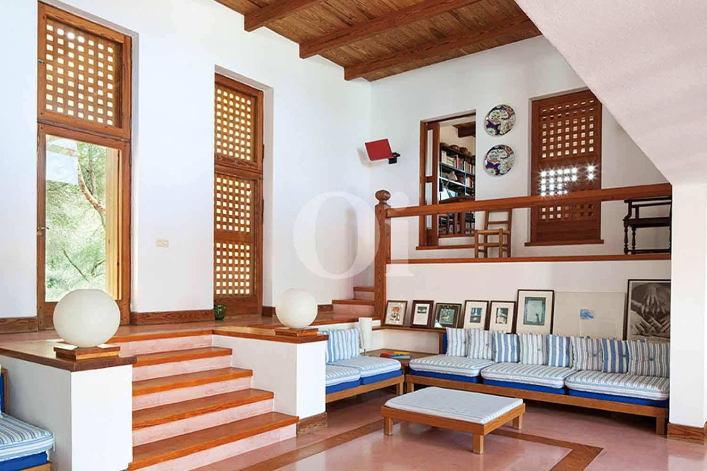 Sala de estar de casa en alquiler de estancia en Formentera