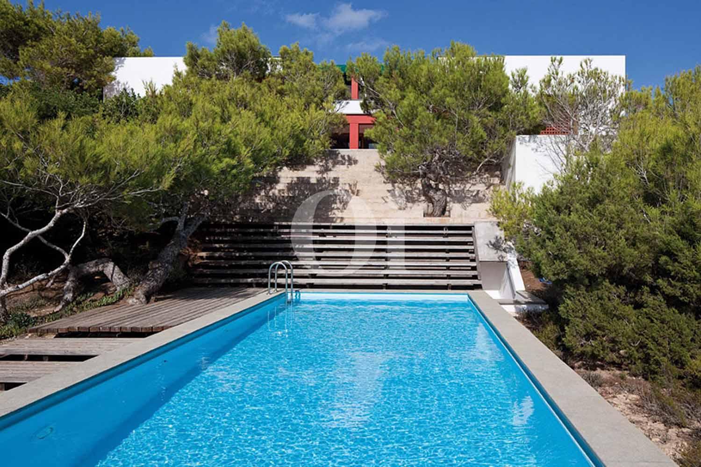 Blick auf den Pool der Ferien-Villa zur Miete auf Fomentera