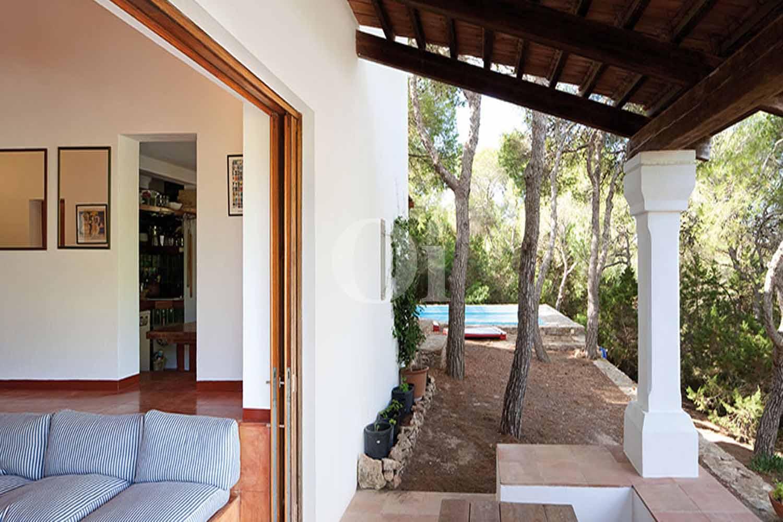 Porche de casa en alquiler de estancia en Formentera