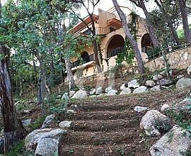 Casa familiar en venta con mucho potencial en la Costa Brava