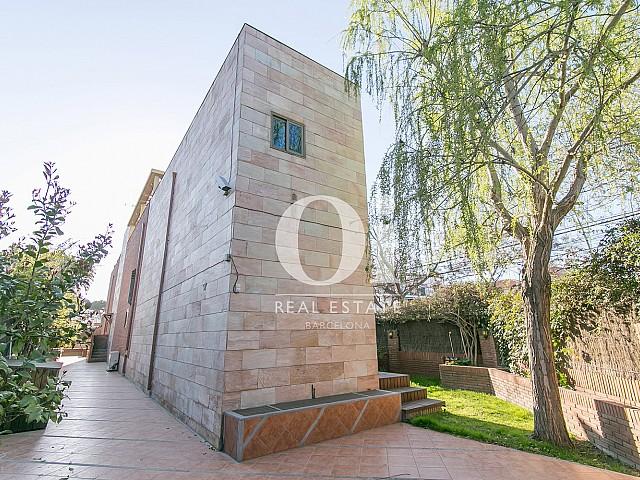 Façade de la maison en vente à Castelldefels, Barcelone