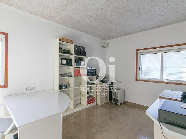 Спальня в семейном доме на продажу в Castelldefels