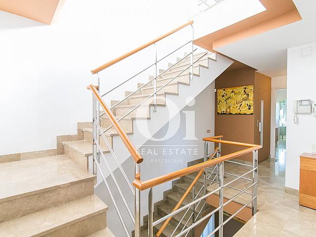 Blick in die Innenräume vom Familienhaus zum Verkauf in Castelldefels
