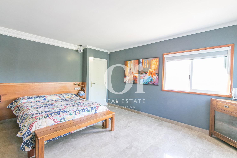 Dormitorio doble de casa en venta en Castelldefels, Barcelona