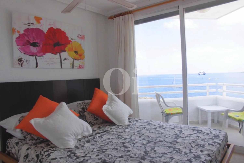 Blick in ein Schlafzimmer vom Penthouse zum Verkauf, San Antonio