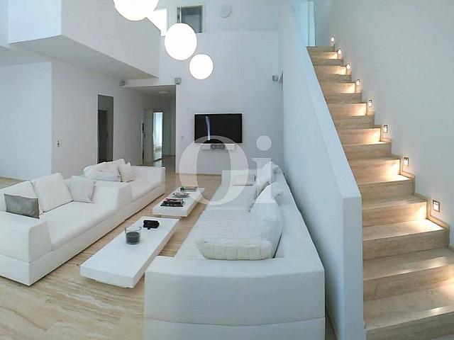 Villa estilo contemporáneo en alquiler de estancia en Ibiza