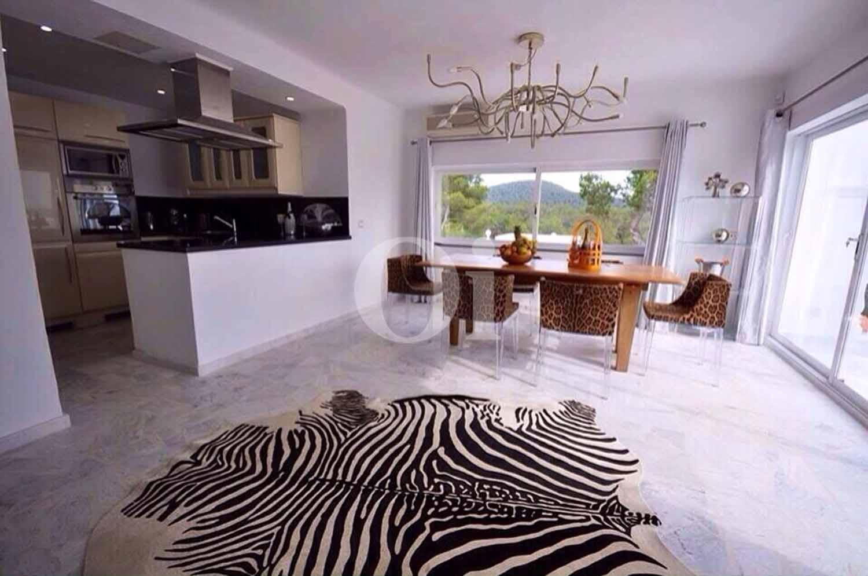 Salón-comedor de villa en alquiler de estancia en Ibiza