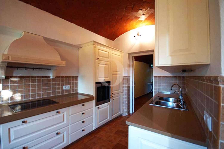 Чудесная и стильная кухня в шикарном дачном доме с большими возможностями на продажу в Calonge