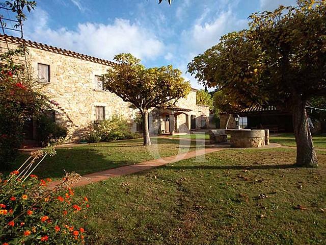 Jardin de la maison en vente à Calonge, Costa Brava, Gerona