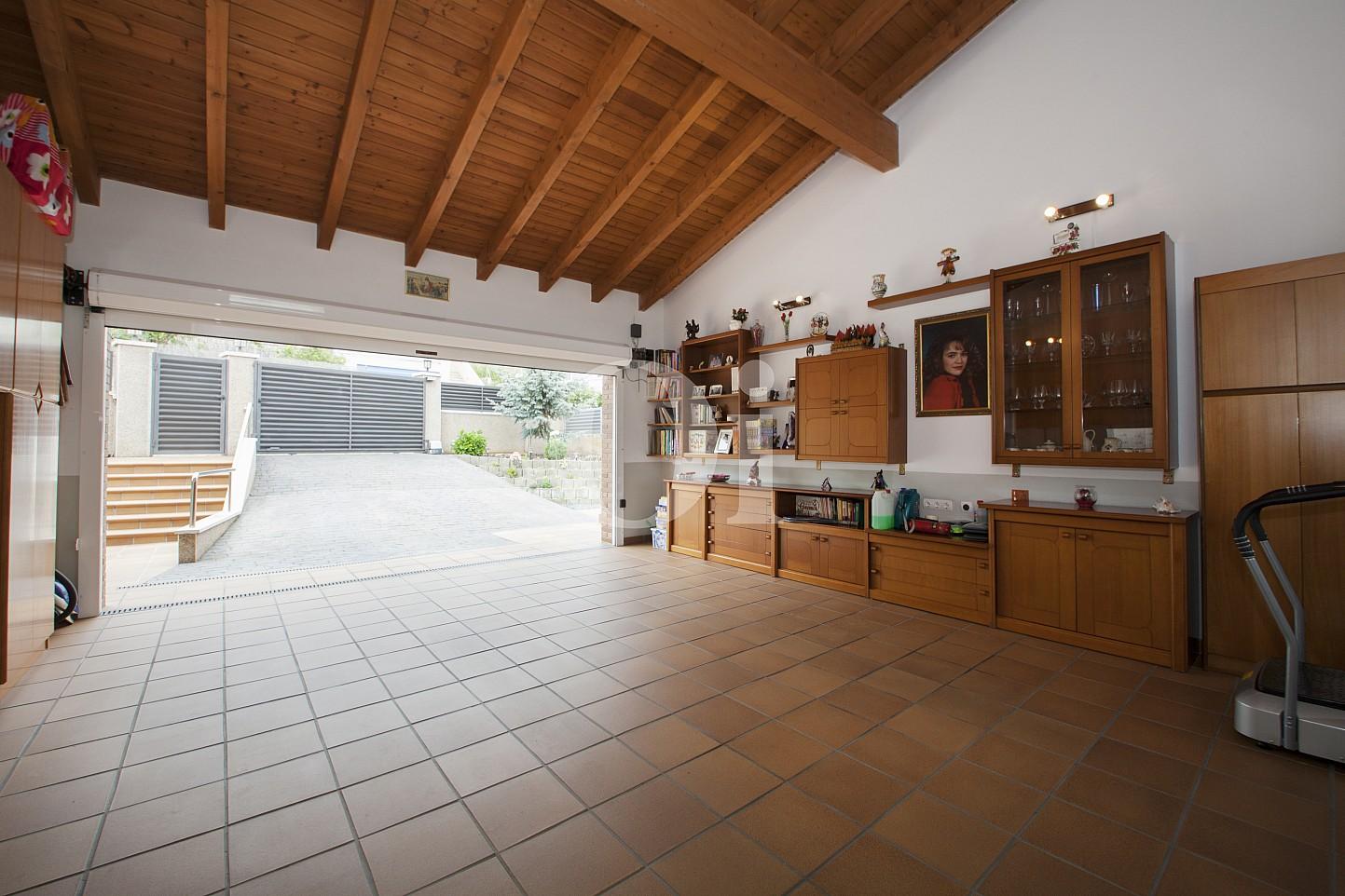 Blick in die Garage vom Haus zum Verkauf, Segur de Calafell