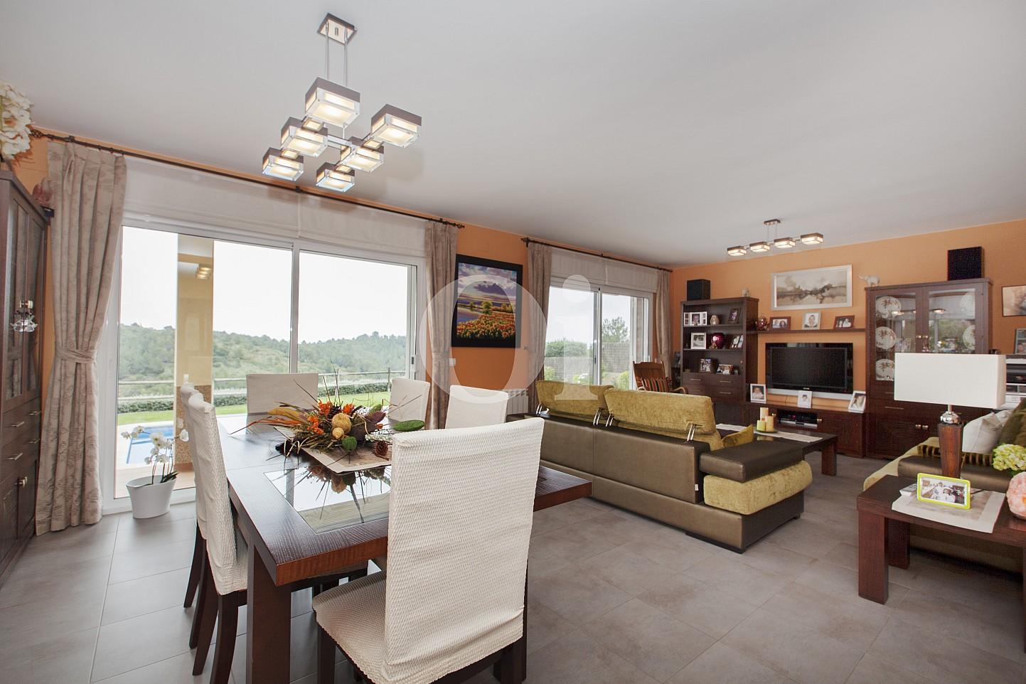 Blick in den Wohn-/Essbereich vom Haus zum Verkauf, Segur de Calafell