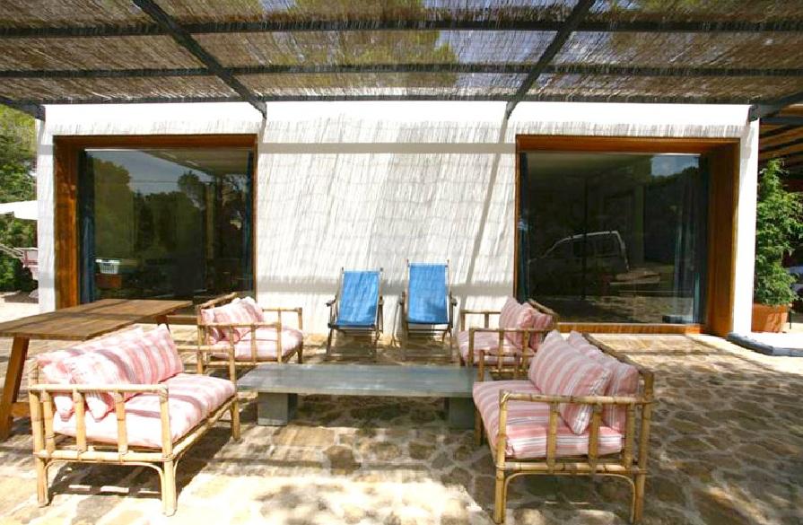 Blick auf die Lounge vom Haus zum Verkauf in Es Caló