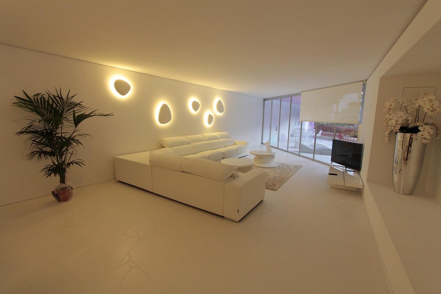 Blick in den Wohnbereich vom smarten Apartment, Marina Botafoch