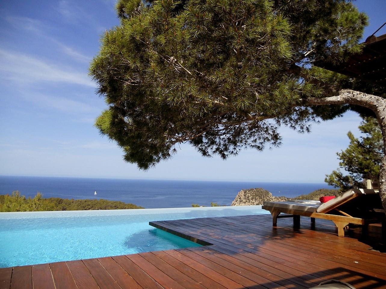 Vistas de espectacular villa en alquiler en Cala Salada, Ibiza