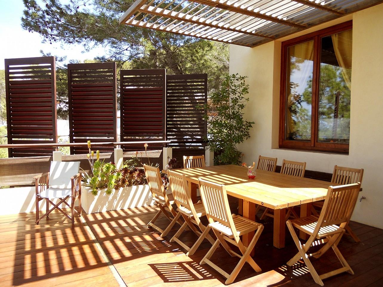 patio de espectacular villa en alquiler en Cala Salada, Ibiza
