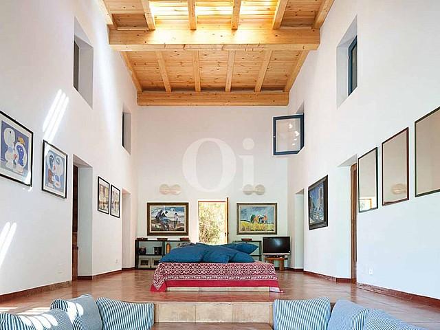 Blick in das Innere vom Haus zum Verkauf, auf Formentera