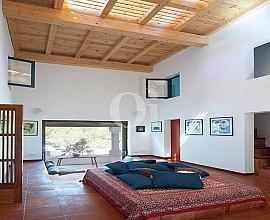 Großes Haus zum Verkauf, umgeben von der Natur Formenteras