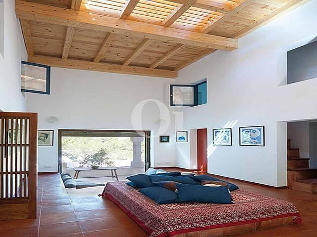 Gran casa en venda en un entorn molt natural de Formentera
