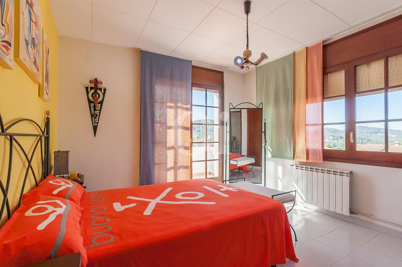 Blick in ein Schlafzimmer vom Einfamilienhaus zum Verkauf, Lloret de Mar