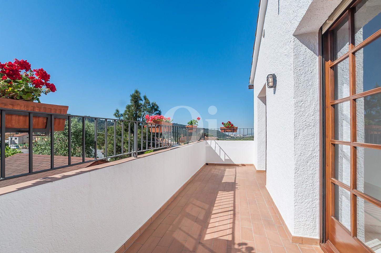 Blick auf den Balkon vom Einfamilienhaus zum Verkauf, Lloret de Mar