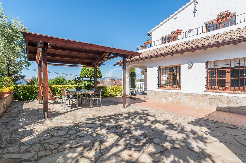Blick auf die Veranda vom Einfamilienhaus zum Verkauf, Lloret de Mar