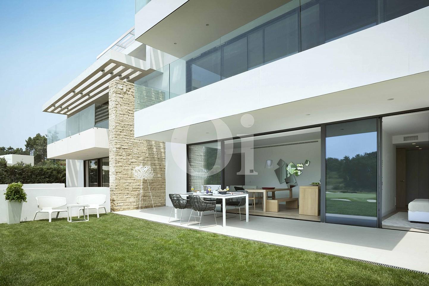 Blick auf die Fassade vom Apartment im PGA Catalunya Resort
