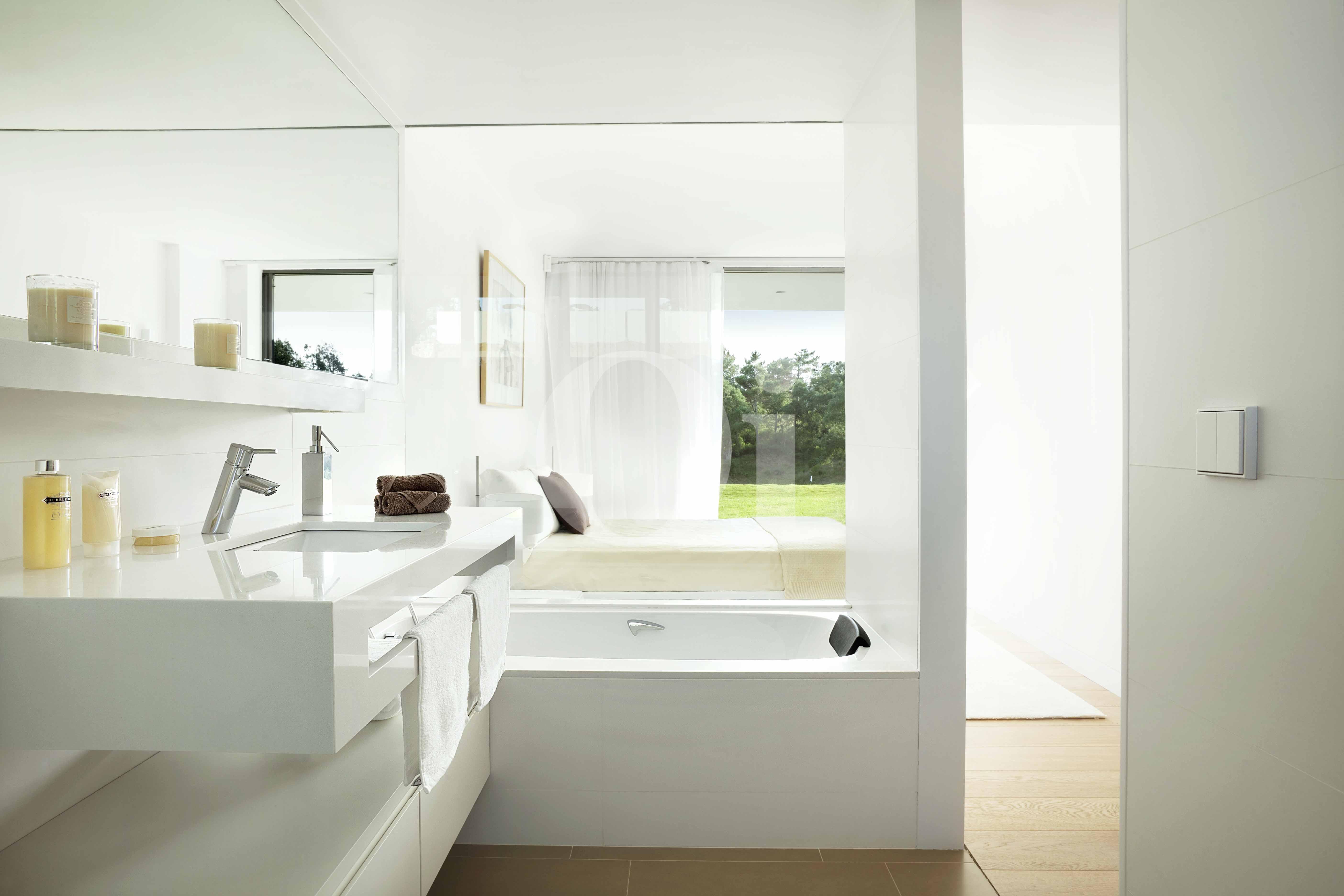 Baño de apartamento con jardín en venta en Caldes de Malavella