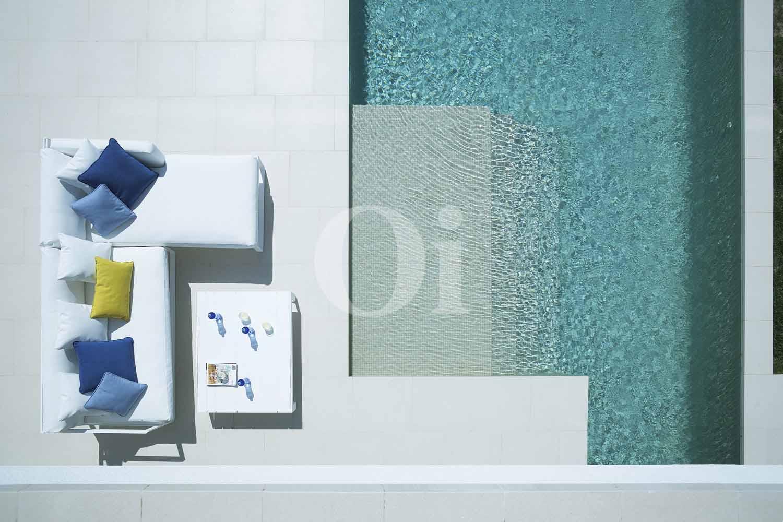 Blick auf den Poolbereich der Designer Villa im PGA Catalunya