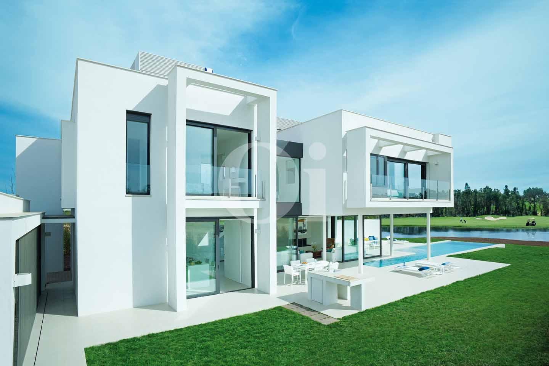 Singular proyecto de villa de dise o en pga catalunya - Proyecto singular ...