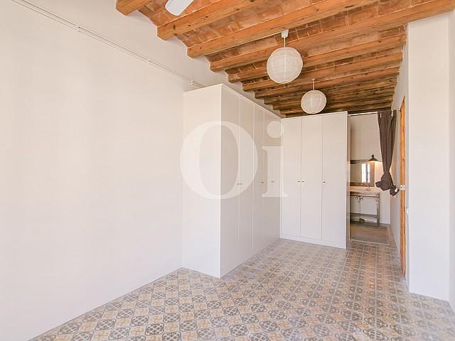Dormitorio de apartamento en venta en Gracia, Barcelona