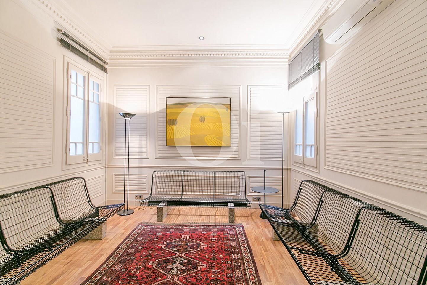Recibidor de maravilloso apartamento en venta en el Eixample