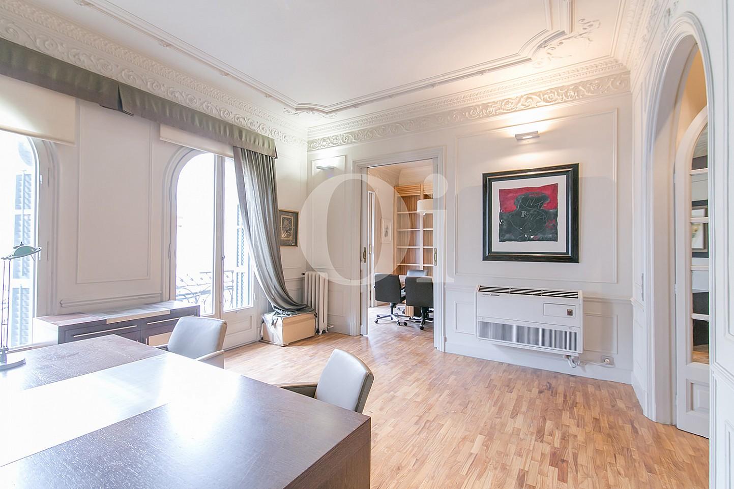 Sala de estar de maravilloso apartamento en venta en el Eixample
