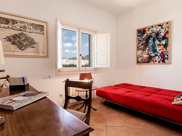 Habitación individual de fantastico apartamento en alquiler en Sant Jordi, Ibiza