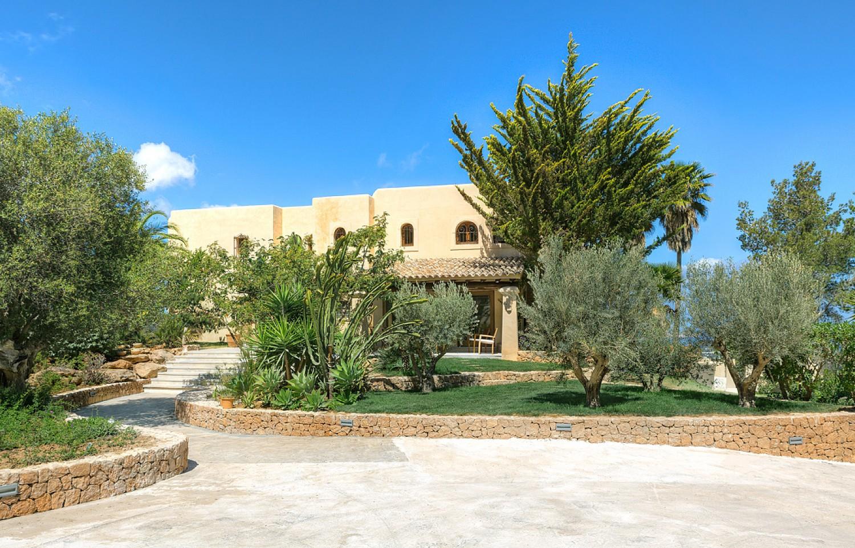 Alrededores de maravillosa villa en alquiler en San Agustin, Ibiza