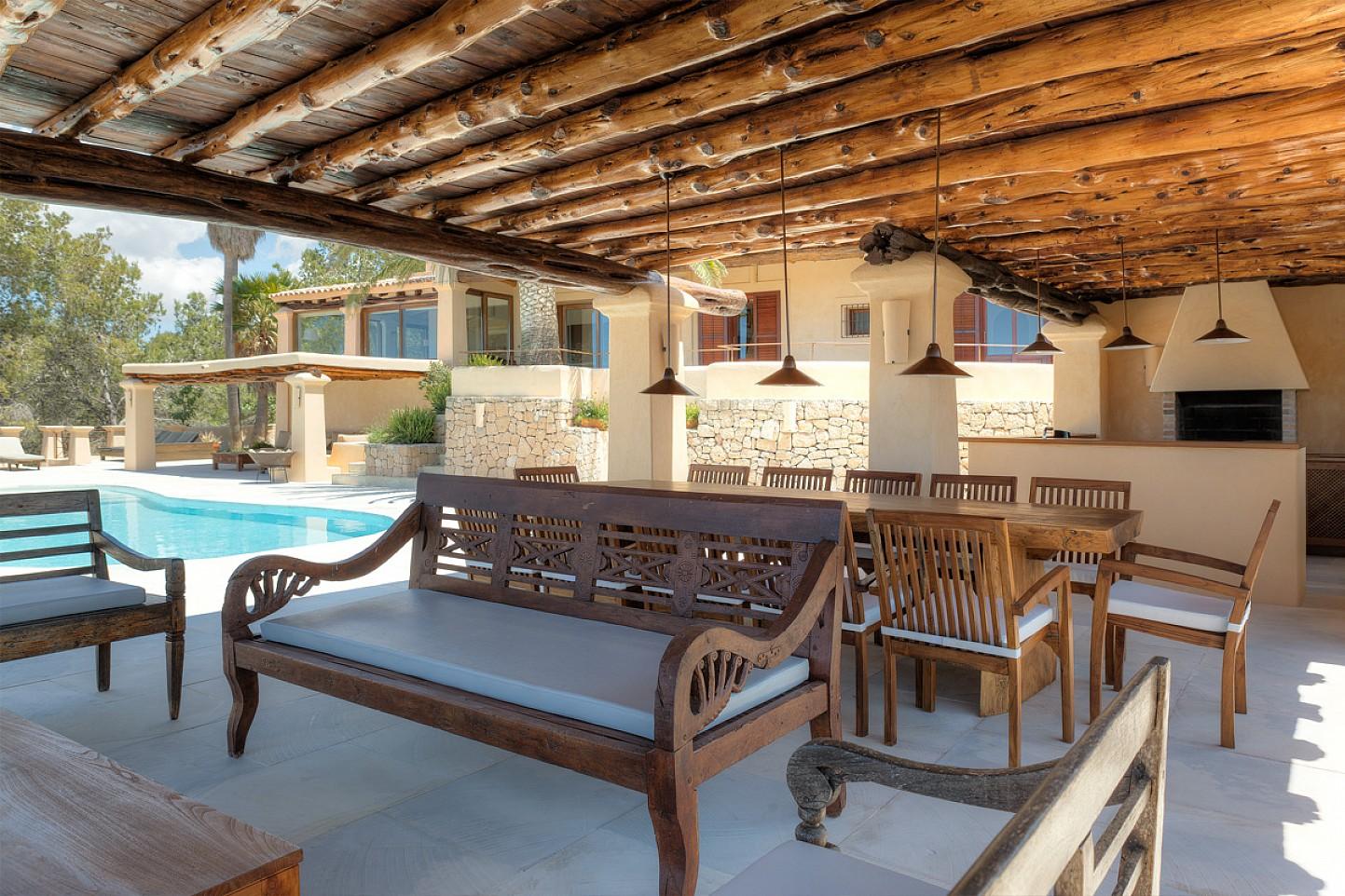 Terraza de maravillosa villa en alquiler en San Agustin, Ibiza