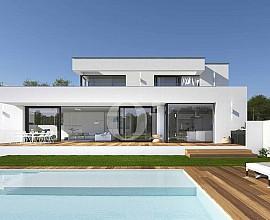 Proyecto para villa de diseño minimalista en venta en PGA Catalunya