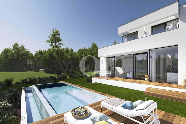 Lujosa vivienda con exclusivo jardín y piscina en casa en venta ubicada en Golf Catalunya Resort
