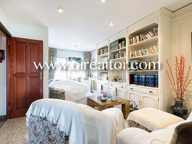 复式顶层公寓在马塔罗中心出售