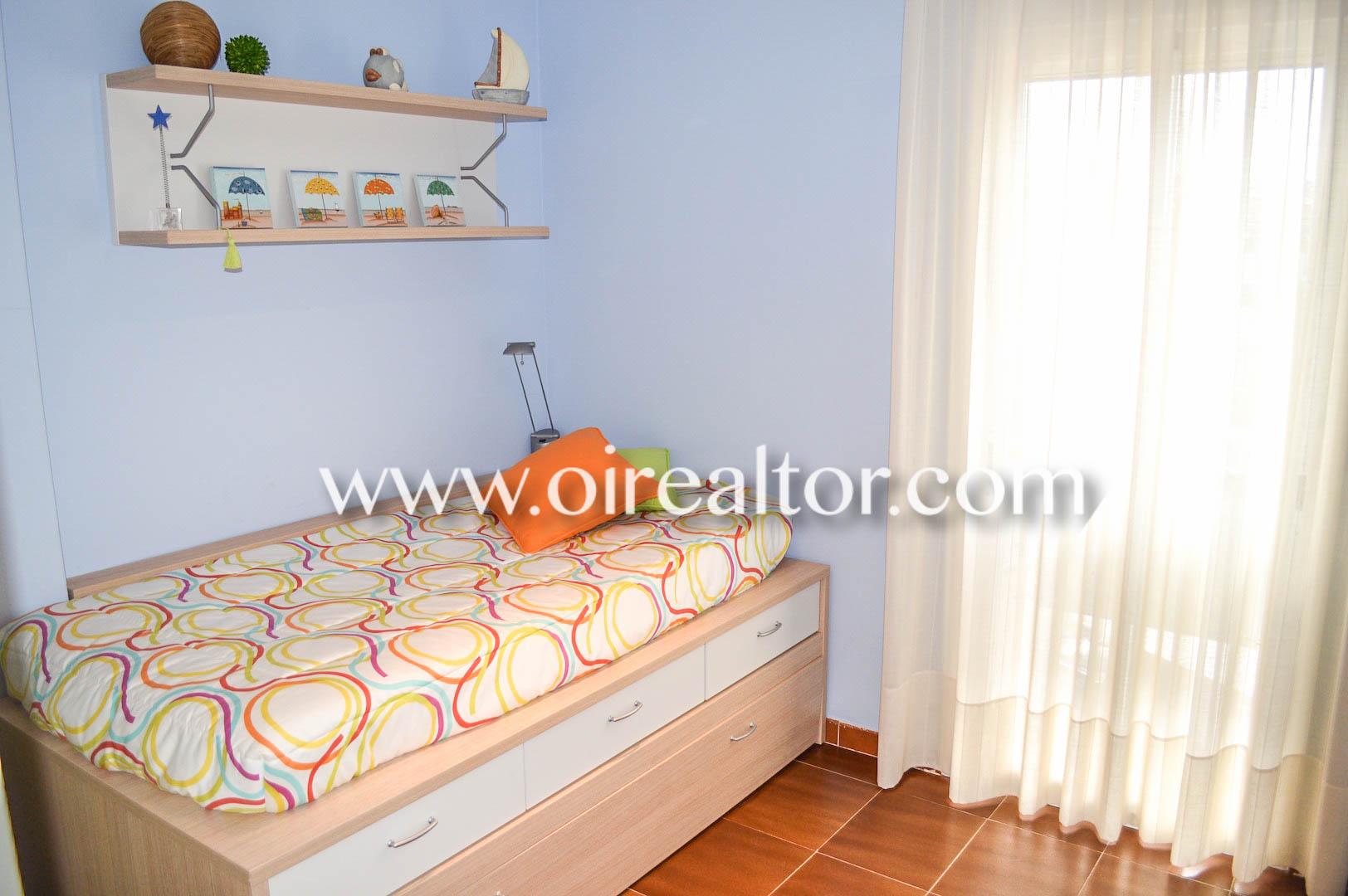 Квартира в Пуэрто Депортиво в Эскала