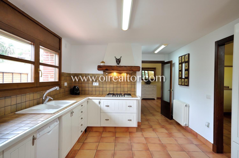 Продается дом в Сант Андреу де Льяванерес, Барселона
