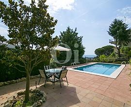 Casa independent a la venda amb vistes al mar en Cabrils, Maresme