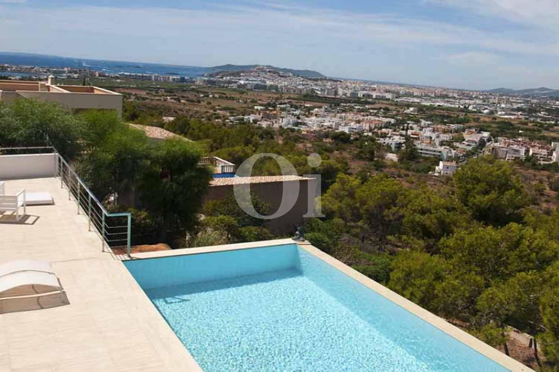 Magnifica piscina infinity en la increíble isla de Ibiza